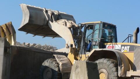 Afbraakwerken en grondwerken De Meuter - Bandenladers