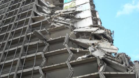 Afbraakwerken en grondwerken De Meuter - Kabelkraan en telescopische kraan