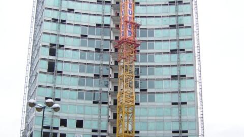 Afbraakwerken en grondwerken De Meuter - Torenkranen (gehuurd)